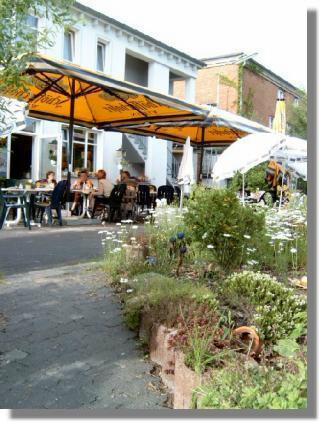 Zum Vergrößern bitte das Bild anklicken Antik-Cafe
